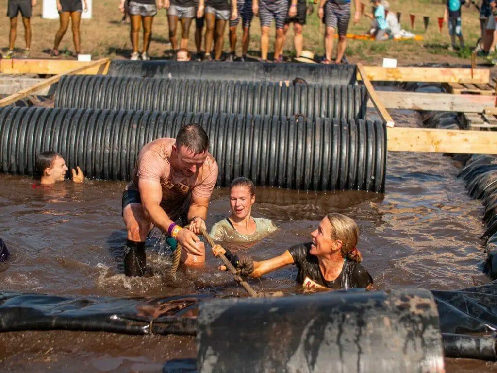 Tough Mudder-Teamwork-1