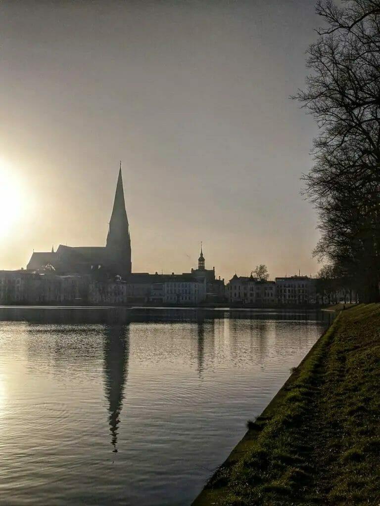 Schweriner Fünf-Seen-Lauf - Sonne am See