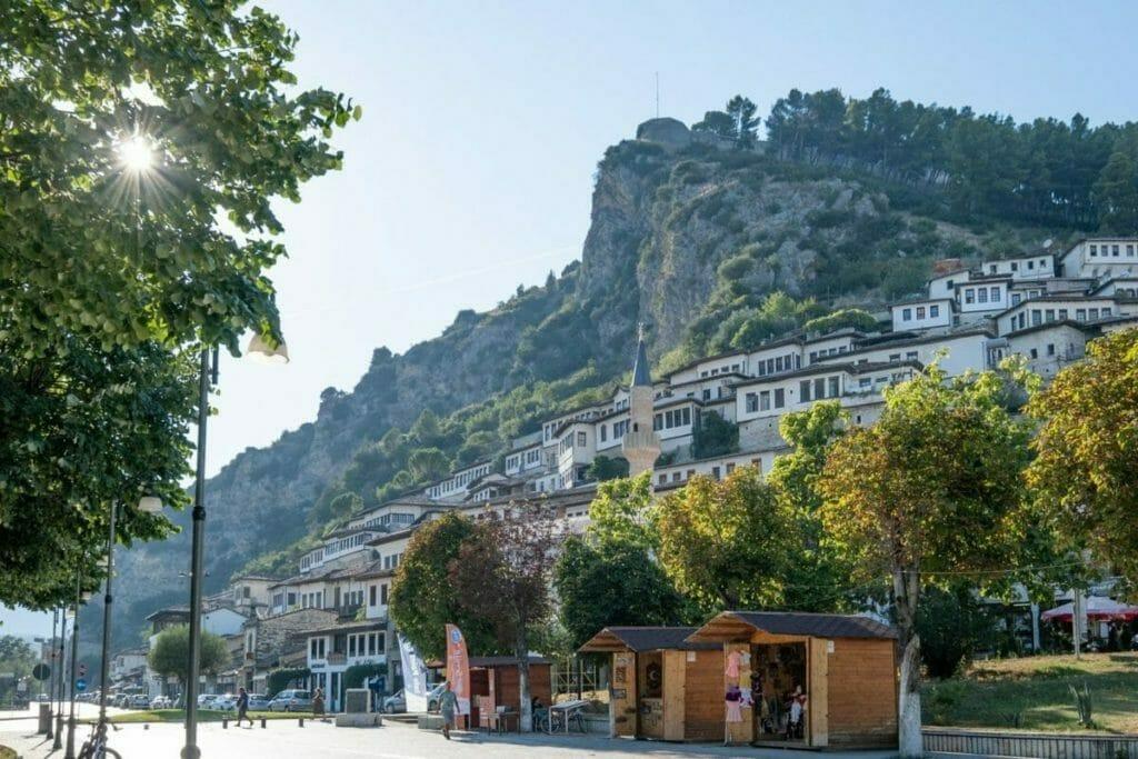schönsten urlaubsziele europa - berat, albanien