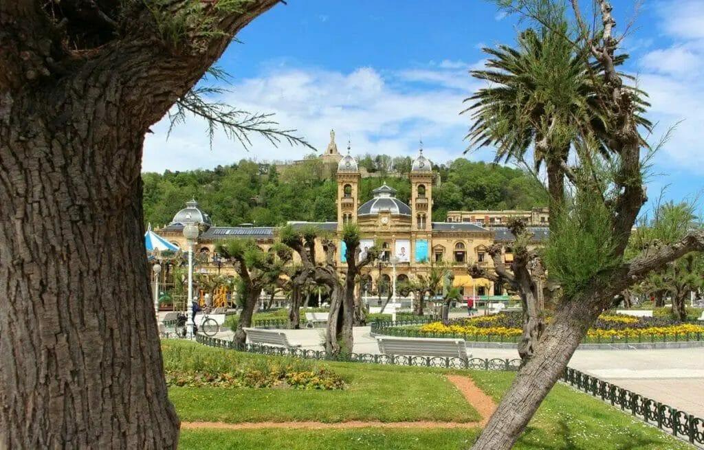 schöne Reiseziele in Europa - san sebastian - spanien