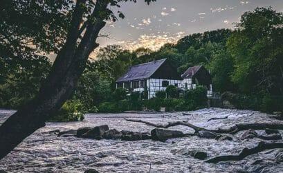 Ausflugsziele NRW - Schleiferei Wipperkotten im Sonnenuntergang