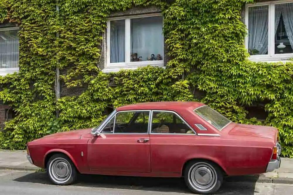 AusflugszieleNRW - Margarethenhöhe Essen - rotes Auto
