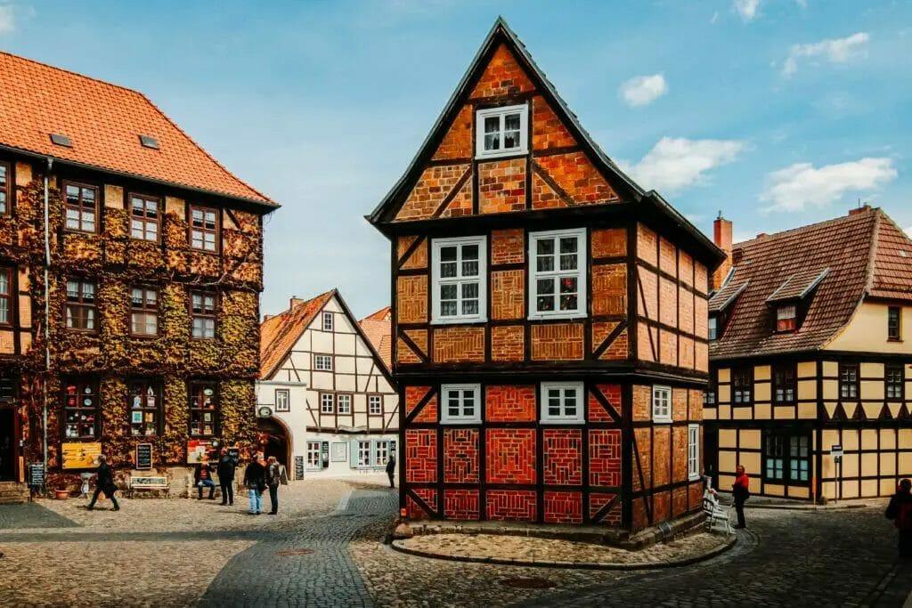 Ausflugsziele Sachsen-Anhalt - Quedlinburg - Fachwerkhaus rot
