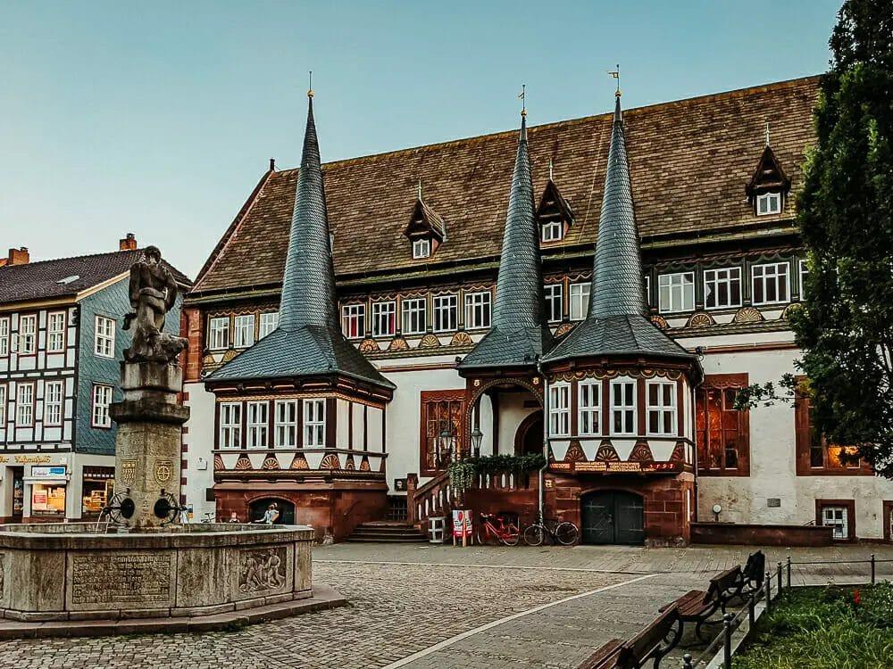 Einbeck Sehenswürdigkeiten - Rathaus - Fachwerk - Gebäude